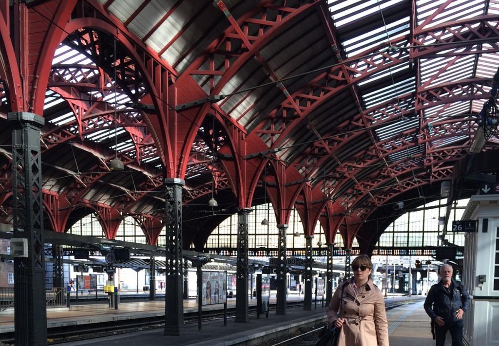 Köpenhamns vackra järnvägsstation. Foto: Emina Kovacic