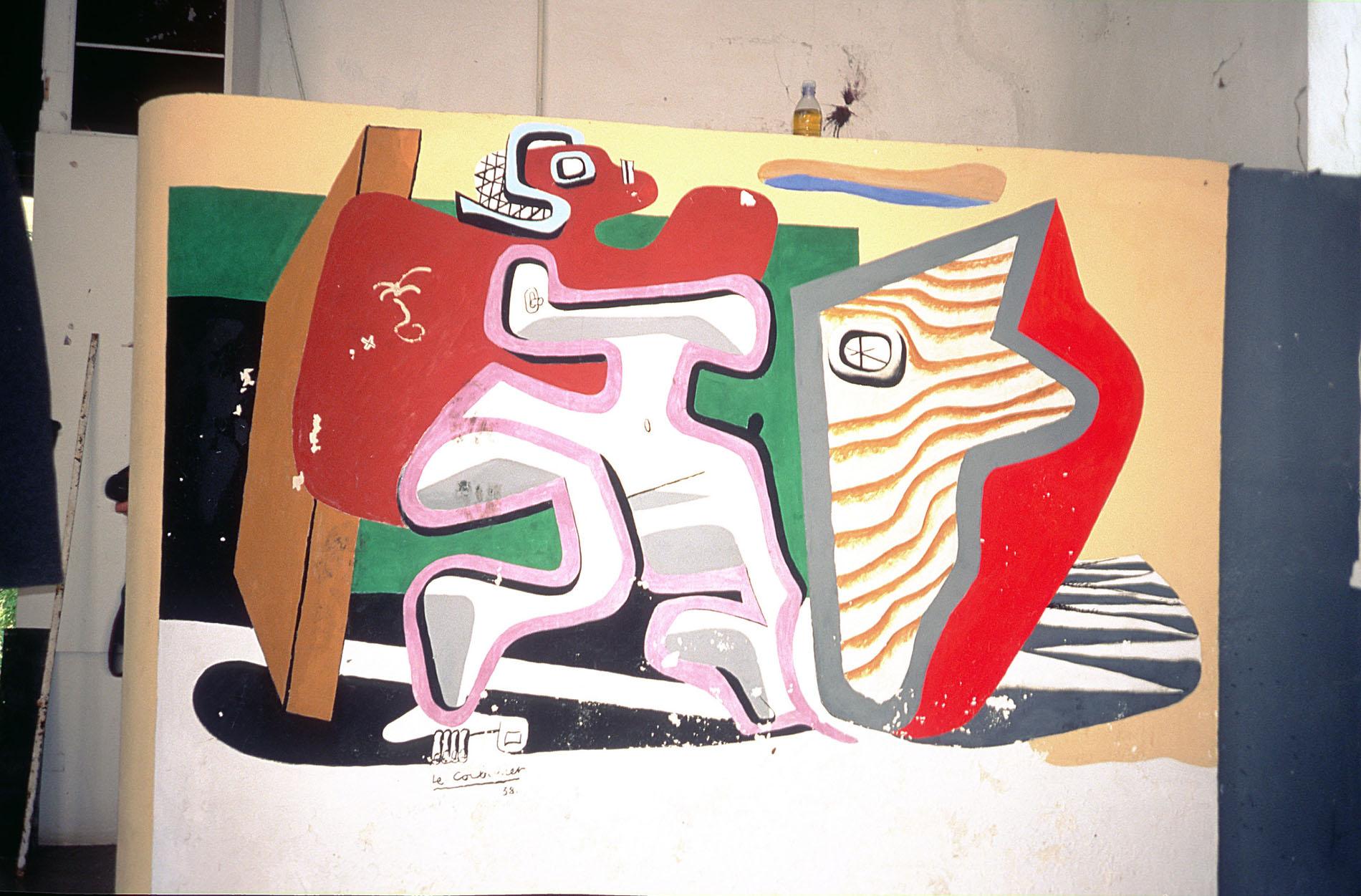 Med le Corbusiers tillagda väggmålningar i Eileen Grays villa E-1027 tar han över och förstör hennes viktigaste konstverk. Det övergreppet finns det ingen ursäkt för, skriver bloggaren.