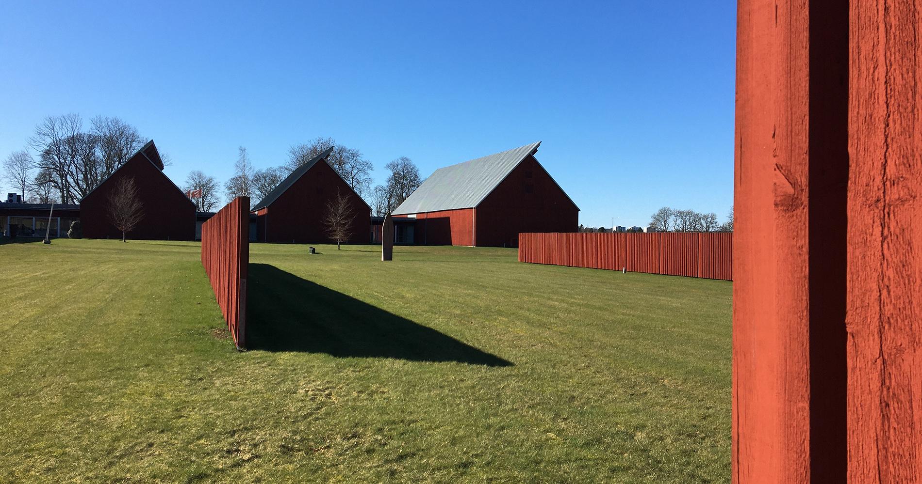 Vandalorum, museum för konst och design utanför Värnamo, är ritat efter koncept av av Renzo Piano. Museet består ursprungligen av elva lador varav fyra är förverkligade. Foto: Emina Kovacic