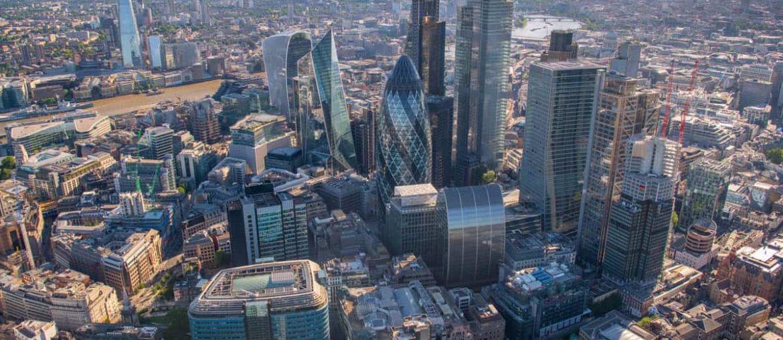 Exempel från städer där man släppt alltmer av ansvaret till privat sektor förskräcker. Londons centrala delar är ett exempel. Foto: Evanevantours