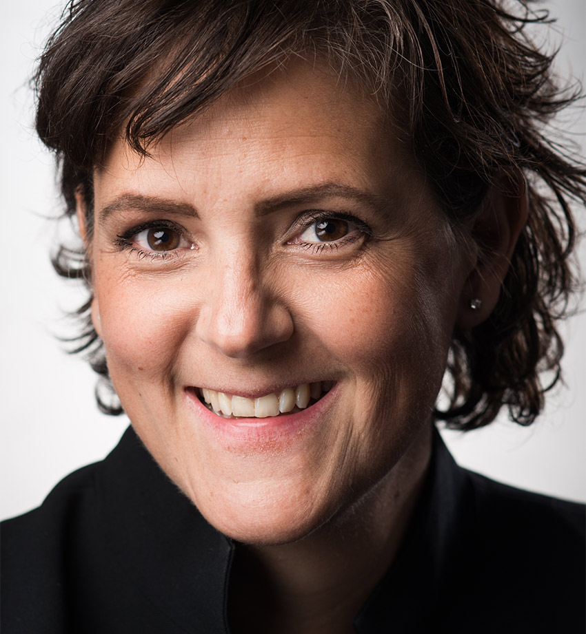 Louise Lindqvist Sassene skriver gärna om skolfrågor och andra favoritämnen som AI och samhällsbyggnadsbranschens omställning.