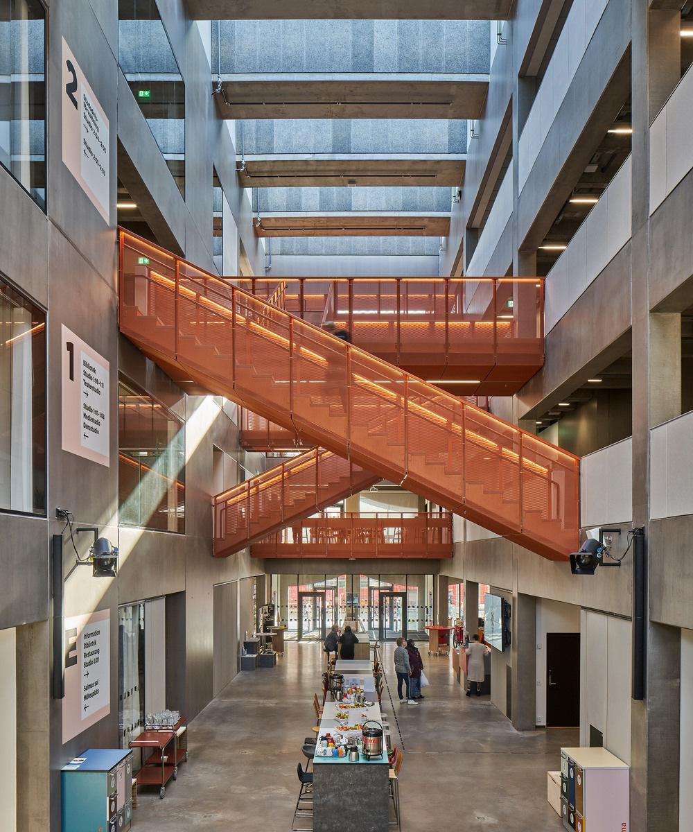 Selma Lagerlöfs center i Backa, nominerad till Guldstolen 2019. Arkitekt: White arkitekter. Foto: Åke E:son Lindman.